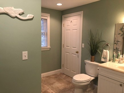 Mashpee Cape Cod vacation rental - Spacious Hollywood Bathroom with full tub/shower on 2nd floor