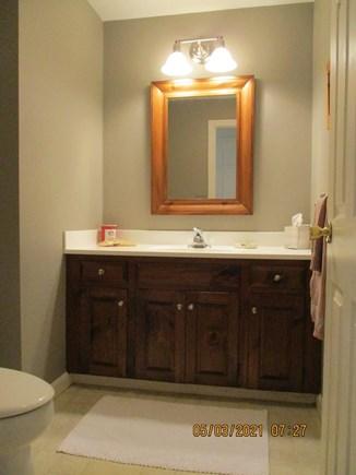 Cotuit Cape Cod vacation rental - 1/2 Bath (1st fl)