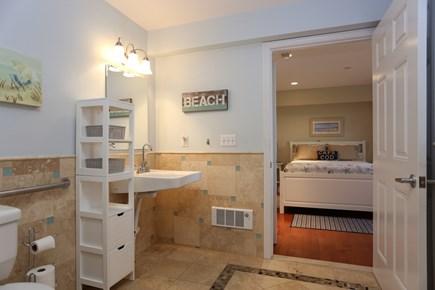 Dennis, The Beachside Condo Cape Cod vacation rental - Bathroom