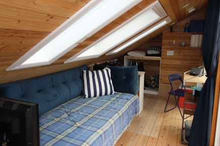 Provincetown Cape Cod vacation rental - Upper level queen day bed