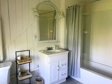 Wellfleet Cape Cod vacation rental - Second Floor Full Bathroom