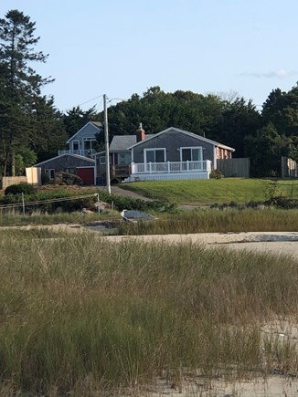 Bourne, Gray Gables Cape Cod vacation rental - House on the water!