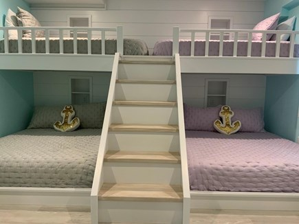 Centerville, Craigville Beach Road Cape Cod vacation rental - Bunk bed dream. 2 queens and 2 twins.