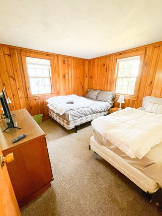 Popponesset Cape Cod vacation rental - Bedroom 2 (1 single bed, 1 full bed)