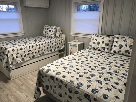 Plymouth MA vacation rental - 2nd bedroom with 1 full size & 1 twin bed