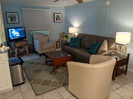 Harwich, Wyndemere Condominiums Cape Cod vacation rental - Living Room - complete with high speed internet