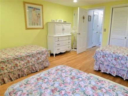 Chatham Cape Cod vacation rental - 2nd Floor Bedroom with 3 Twins