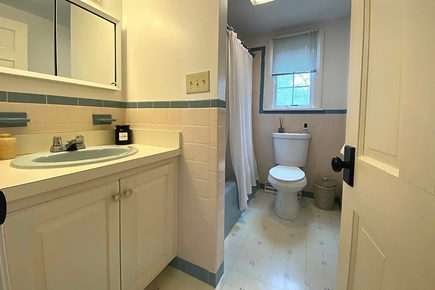 Osterville Cape Cod vacation rental - Bathroom.