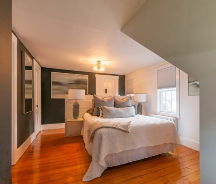 Wareham MA vacation rental - 2nd Floor Bedroom with Queen.