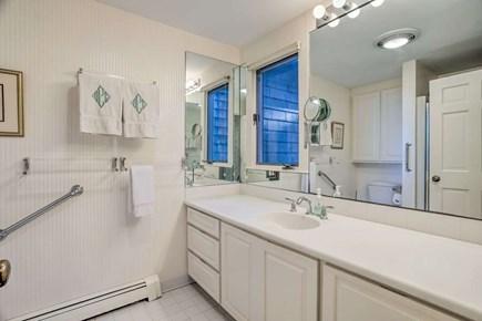 Orleans Cape Cod vacation rental - Twin Suite bathroom