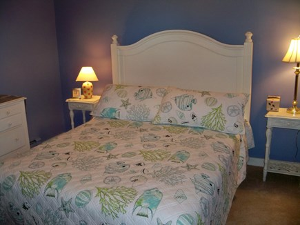 Plymouth MA vacation rental - Queen bedroom lower level with 1/2 bath