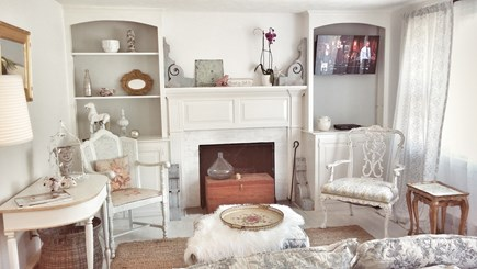 Yarmouth Port Cape Cod vacation rental - Cozy living room full of charm