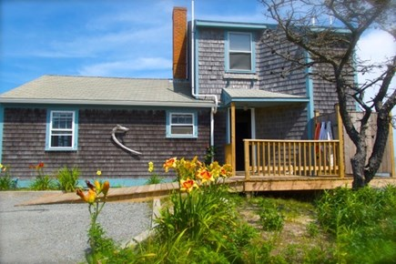 Wellfleet, Beach House Cape Cod vacation rental - Exterior from driveway
