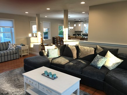 Plymouth MA vacation rental - Sunny and bright living room