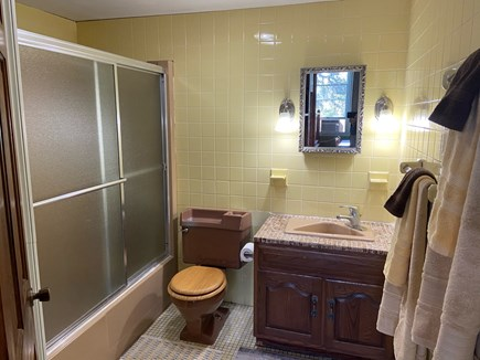 Chatham Cape Cod vacation rental - Main bathroom, with tub, adjacent to twin bedroom