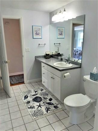Barnstable, HYANNIS Cape Cod vacation rental - Jack and Jill bathroom off of hallway