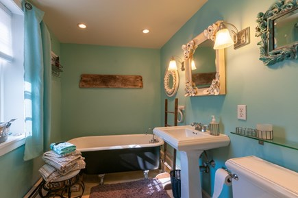 Sandwich Cape Cod vacation rental - Full Bath with tub on 2nd Floor ( front section of the house)