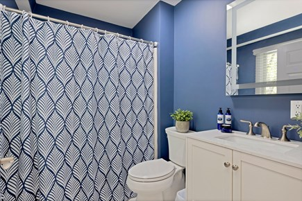 East Orleans Cape Cod vacation rental - Full bath with tub/shower
