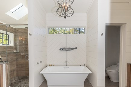 Barnstable, Historic Rte 6A Cape Cod vacation rental - Master Bath-with two vanities and 6' tub