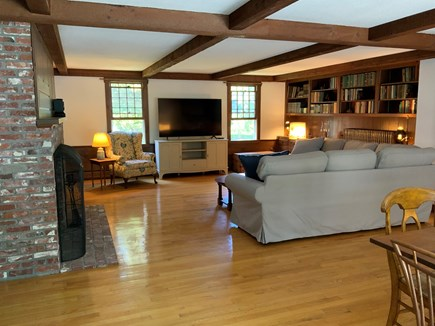 East Orleans - Walk to Asas La Cape Cod vacation rental - Family Room