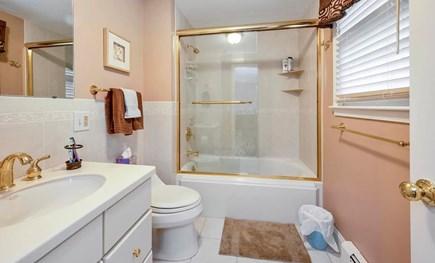 Falmouth Cape Cod vacation rental - Master En suite