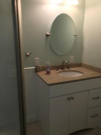 Plymouth MA vacation rental - Second floor bedroom bath