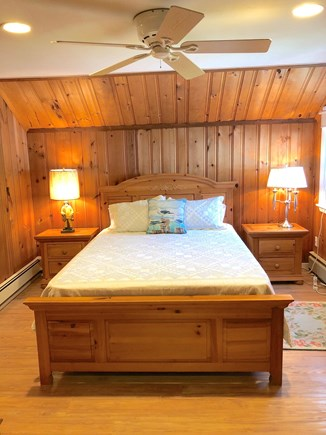 Falmouth, Bay Shore Cape Cod vacation rental - Queen Bedroom on the second floor!