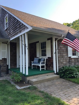 Falmouth, Bay Shore Cape Cod vacation rental - Front door entry!