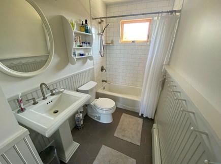 Truro Cape Cod vacation rental - Full Bathroom