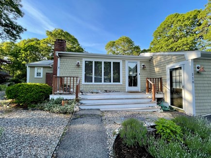 Hyannis Cape Cod vacation rental - Front entrance
