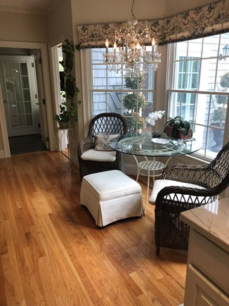 Osterville Cape Cod vacation rental - Seating area in kitchen