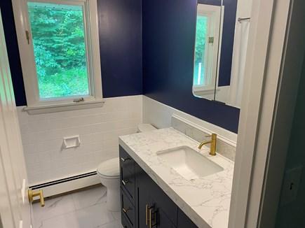 Barnstable, Osterville Cape Cod vacation rental - Main bathroom