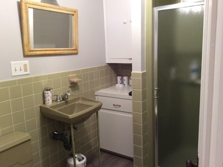 South Dennis Cape Cod vacation rental - 2nd full bathroom with shower