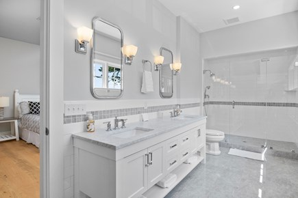 Chatham, Crows Pond and Pleasant Bay Cape Cod vacation rental - King suite bathroom