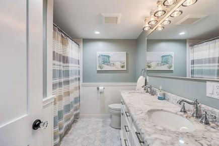 Centerville Cape Cod vacation rental - Second bathroom