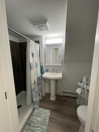 Osterville Cape Cod vacation rental - Full Bath #1