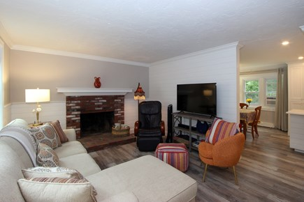 Bourne, Monument Beach Cape Cod vacation rental - Comfortable Living Room