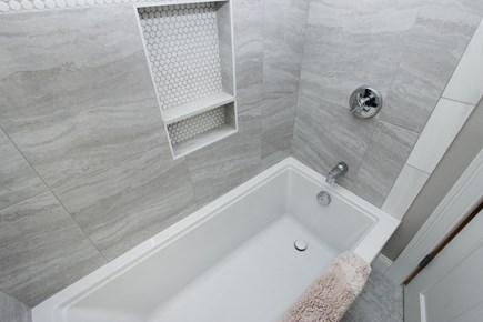 Bourne, Monument Beach Cape Cod vacation rental - 2nd floor full bathroom