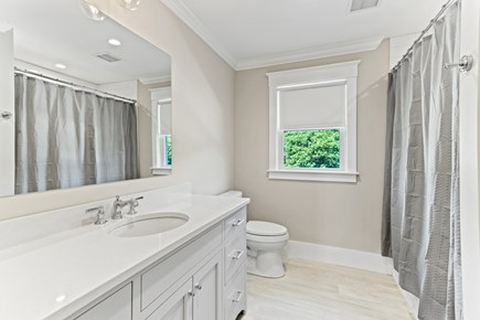 Brewster, 164-B Cape Cod vacation rental - Another Full Bath