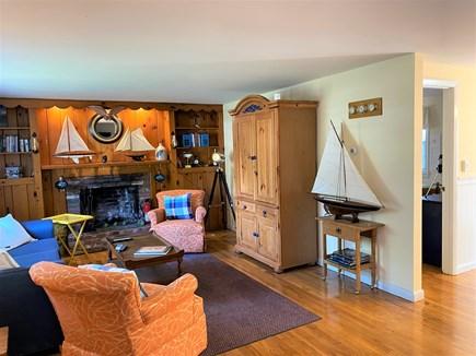 Yarmouth, Seagull Beach Awaits You! Cape Cod vacation rental - Living Room
