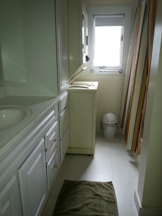 Dennis Port Cape Cod vacation rental - Upstairs bathroom