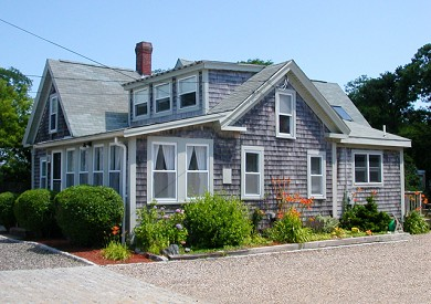 Dennis vacation rental home in cape cod ma 02639 approximately 600 feet to depot st beach id for Home depot 600 exterior street