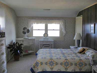 Sagamore Beach, Bourne Sagamore Beach vacation rental - Listen to soft sounds of waves in ocean front master bedroom.