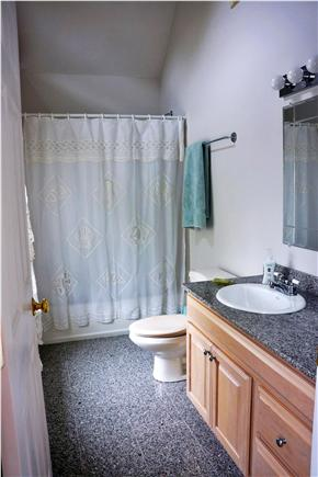 Cotuit Cotuit vacation rental - Guest bathroom with tub and shower facilities