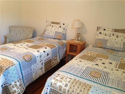 Dennis Cape Cod vacation rental - Middle Bedroom