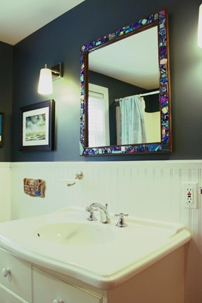 Provincetown Cape Cod vacation rental - Main bathroom.