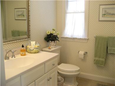 Chatham, In Olde Village near Mill Pond Cape Cod vacation rental - Family Bath