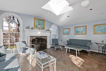 Chatham, downtown Cape Cod vacation rental - Light, bright and spacious plus gas log fireplace