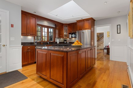 Chatham, downtown Cape Cod vacation rental - Large well equipped kitchen