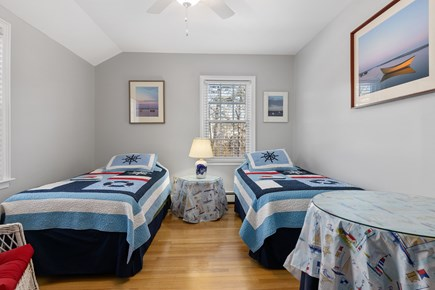 Chatham, downtown Cape Cod vacation rental - First floor twin bedroom with a nautical theme